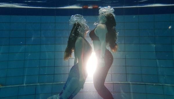 Schwimmen wie eine Meerjungfrau