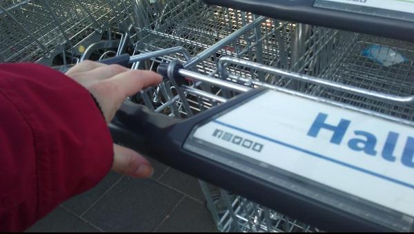 Einkaufsmärkte versuchen Kunden und Mitarbeiter zu schützen