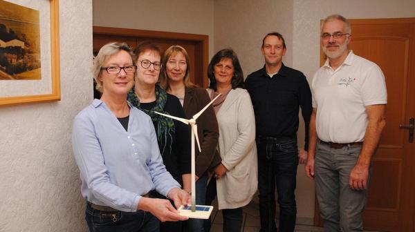 Die Anlagen im Windpark Fahrengreth rotieren für die Bildung