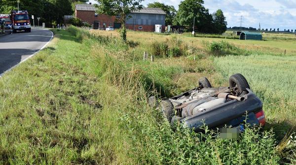 Lieth: Auto landet im Graben