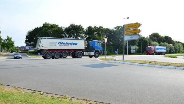 Kreisverkehr: Kreuzung in Marne soll sicherer werden