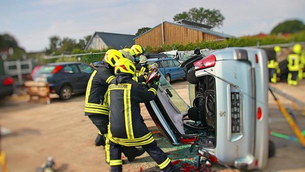 Zunehmende Sicherheit der Autos stellt Feuerwehren vor Herausforderungen