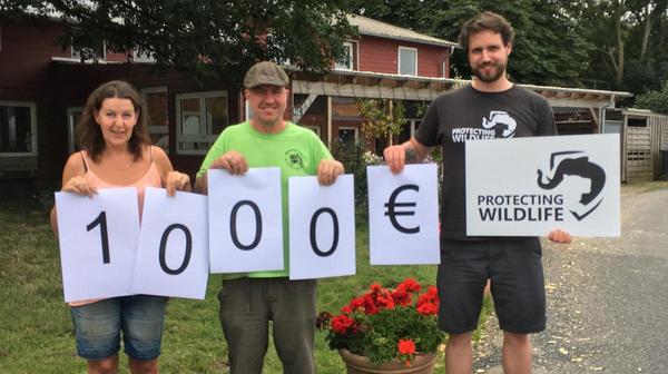 1000 Euro überreicht