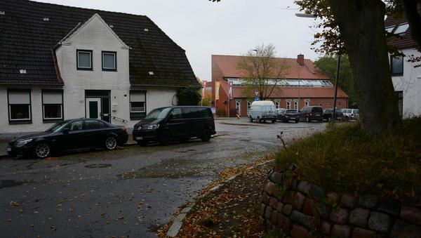 Granitpflaster und Klinkerweg