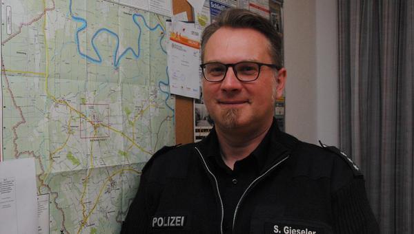 Polizist und Hobbymusiker
