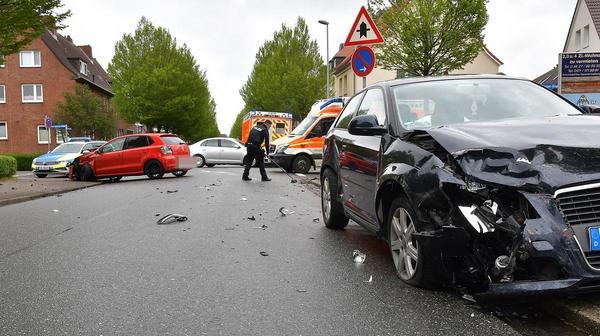 Drei Verletzte bei Unfall in Heide