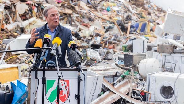 Sinkende Sympathiewerte für Laschet nach der Flut, steigende für Scholz: Umgang mit Krisen ist wichtiger Gradmesser