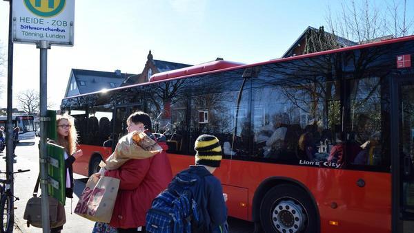 Der Bus kommt