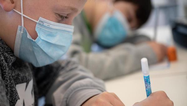 Streit um Maskenpflicht an Schulen: Gewirr unterschiedlicher Ansichten
