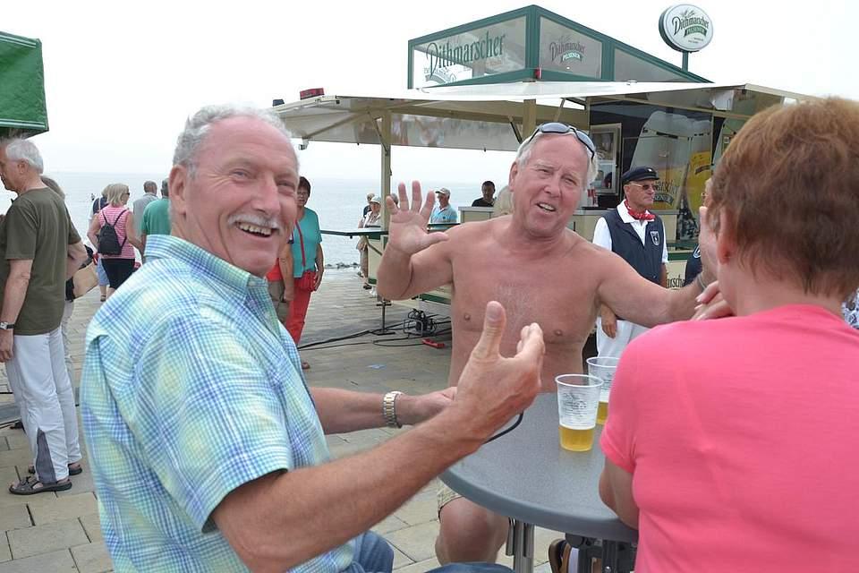 Spaß bei der Strandparty.