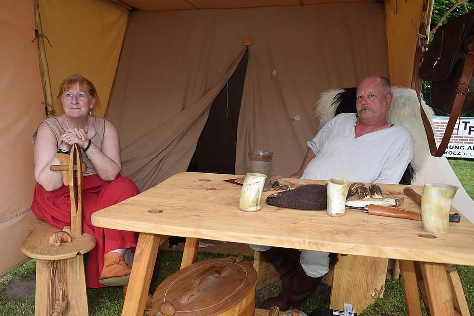 Entspannen vor dem Zelt. Foto: Büsing