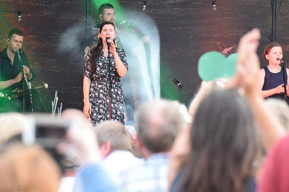 Getreu dem Konzertmotto Irish Hearts gab es vom Publikum auch Herzen in der irischen Farbe Grün für die Musiker.