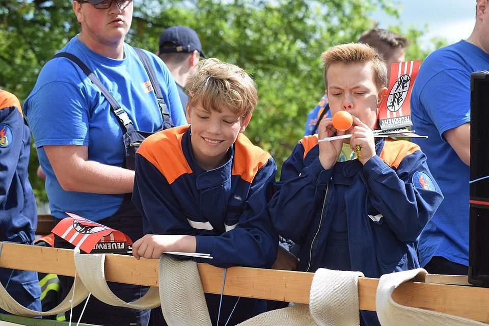 Zweiter Platz in der Kategorie Kinder- und Jugendgruppe: Die Jugendfeuerwehr Tellingstedt. Foto: Büsing