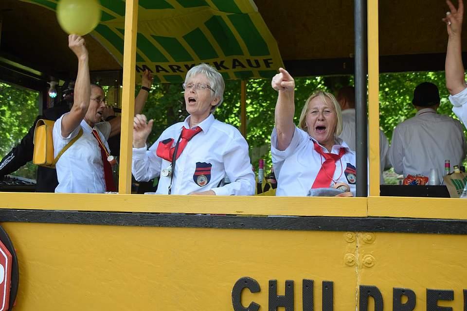 Gute Laune bei dem Kinder-Express der Windbergener. Sie belegten in der Kategorie Private und Wohngemeinschaften den zweiten Platz. Foto: Büsing