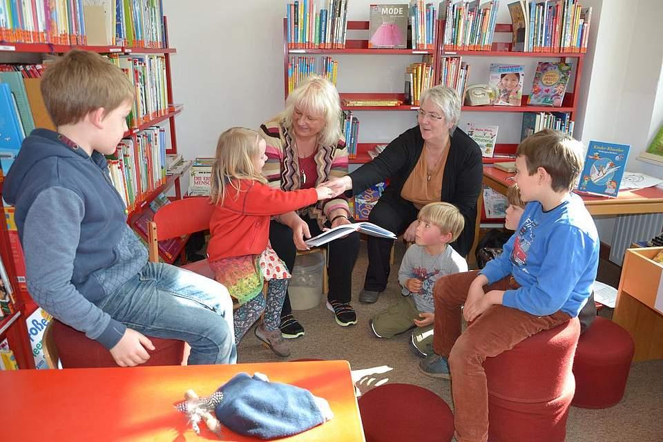 Lese- und Abenteuerstunde in der Stadtbücherei am Kulturtag.