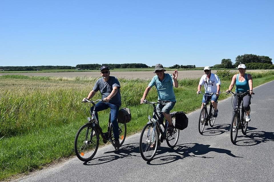 Natur, Fahrrad und bestes Wetter: Entsprechend motiviert sind die Teilnehmer.