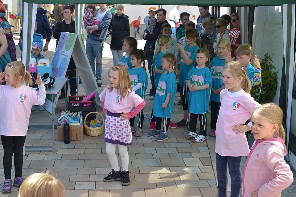 Kindernachmittag: Vorführungen der mobilen Tanzschule Simone Tietze.