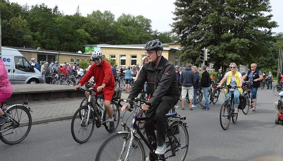 Mehrere hundert Teilnehmer waren bei der 30. Auflage der Radtour dabei.Fotos: Müller