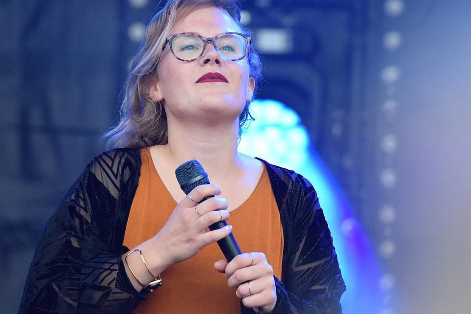 Sängerin Lioba machte den Auftakt.