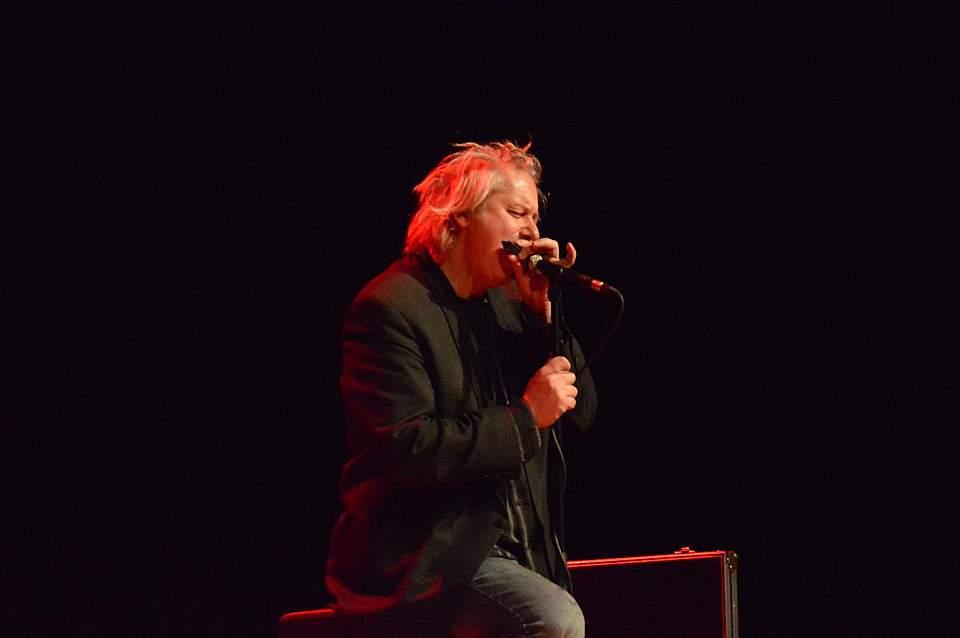 Marc Breitfelder begeisterte an der Mundharmonika.