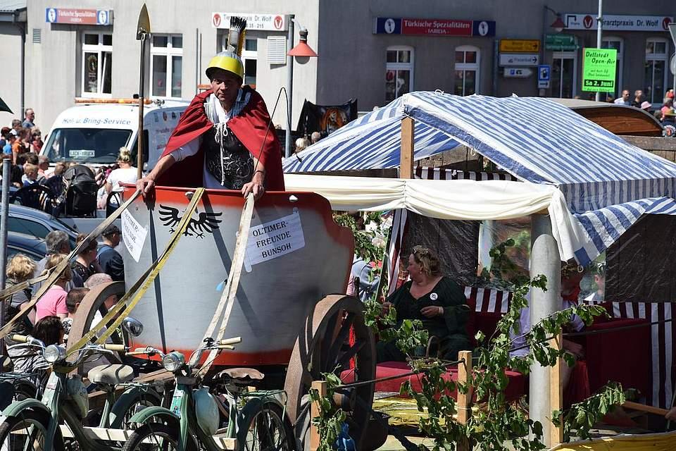 Krafträder statt Zugpferde: Der Zenturio der Oldtimerfreunde Bunsoh. Foto: Büsing