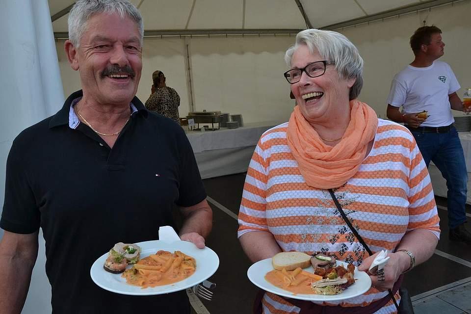 Jutta Ibs und ihr Mann Peter genossen den Abend. Sie hatten bei Boyens Medien VIP-Karten gewonnen. Foto: Voß