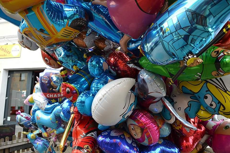 Jede Menge Luftballons.