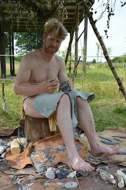 Flintschläger Morten Kutschera aus Norwegen.