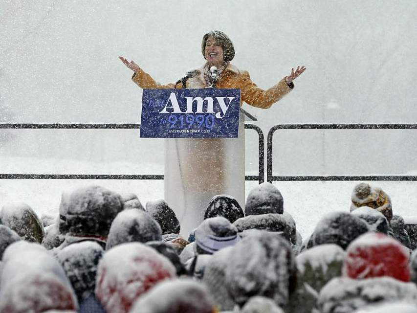 Amy Klobuchar, demokratische Senatorin des US-Bundesstaats Minnesota, gibt in Minneapolis ihre Kandidatur für die US-Präsidentschaftswahl 2020 bekannt. Foto: Jim Mone/AP