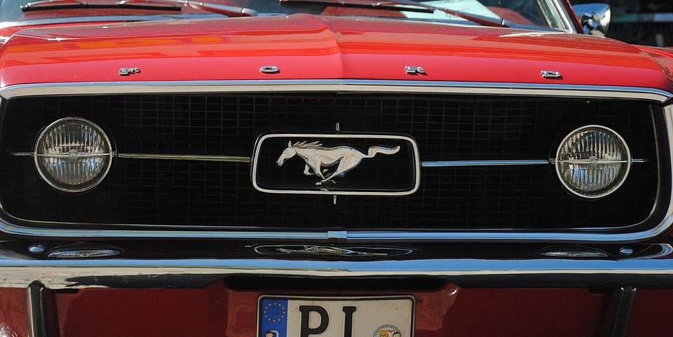 Jede Menge automobile Seltenheiten gab es auf dem Südermarkt zu sehen: ein Ford Mustang.