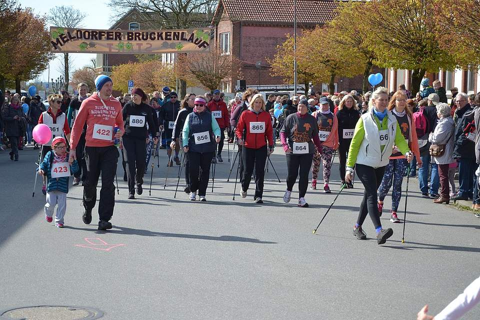 Start zum Nordic Walking.