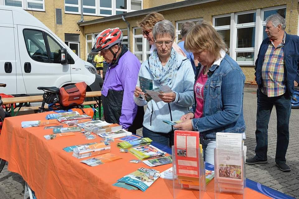 Informationen rund ums Fahrradfahren gab es beim Stand des ADFC.