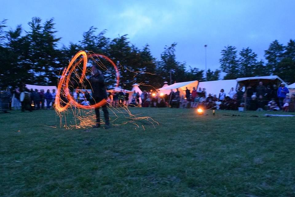 Die erste Feuershow lieferte Fafnir's Fjoer. Foto: Büsing