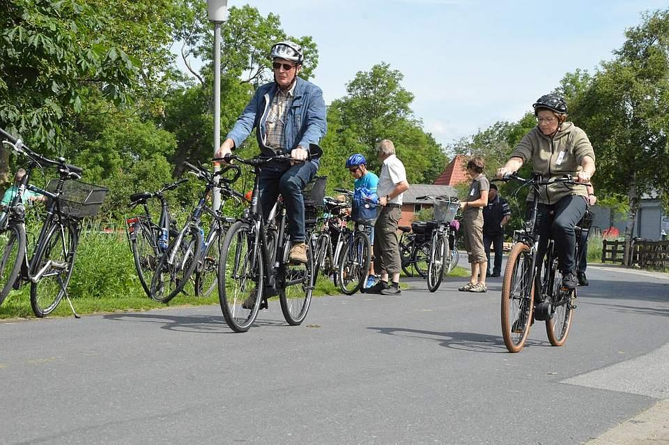 Die Strecke führte unter anderem über Schlichting. Von dort aus radelten die Teilnehmer auf der langen Route gen Fedderingen, die der kurzen Route in Richtung Rehm-Flehde-Bargen.