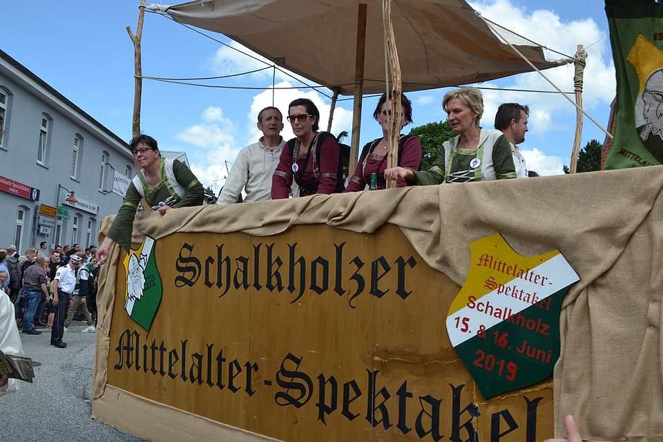 Schalkholz macht auf das Mittelalter-Spektakel aufmerksam.