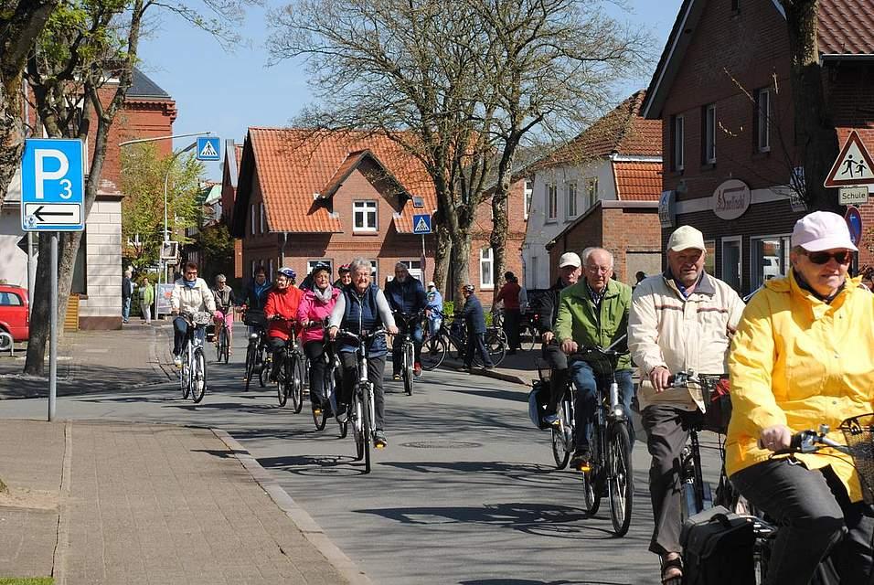 Sei mehr 35 Jahren geht es auf Meldorf-Woche-Fahrradtour. Diesmal führte die Route zur Einkehr nach Busenwurth.