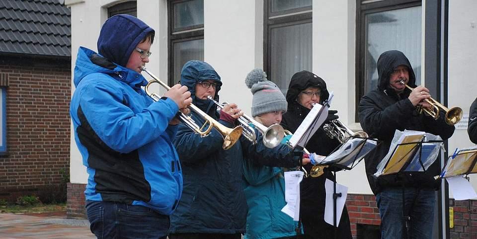 Sorgte für musikalische Untermalung der Andacht: der Posaunenchor Meldorf.