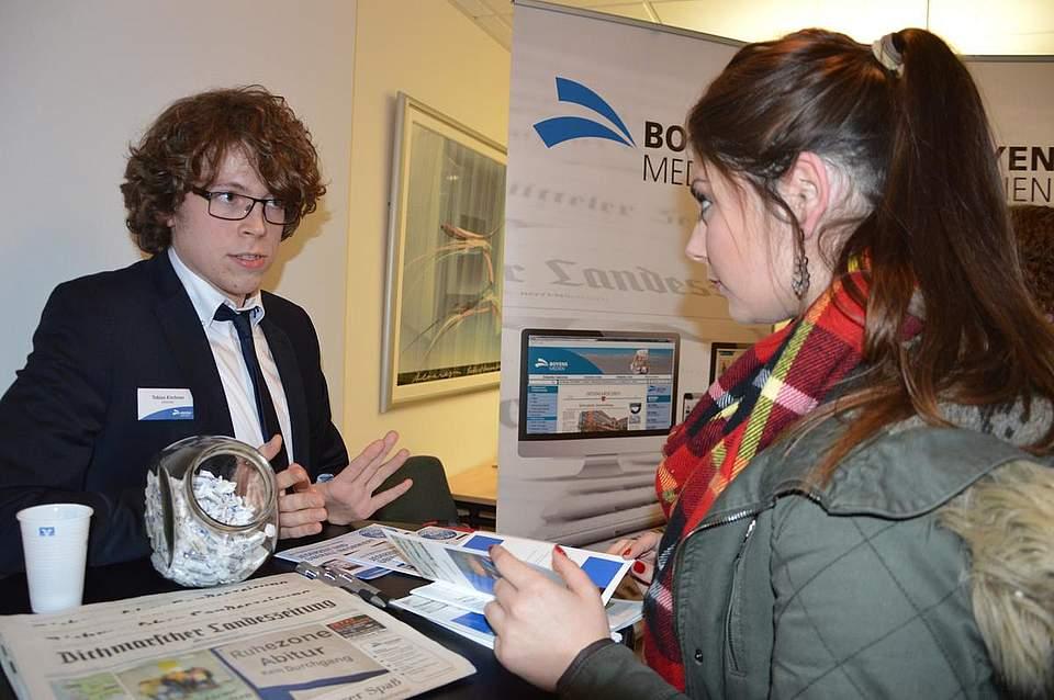 Volontär Tobias Kirchner stellt den Beruf des Redakteurs bei Boyens Medien vor.