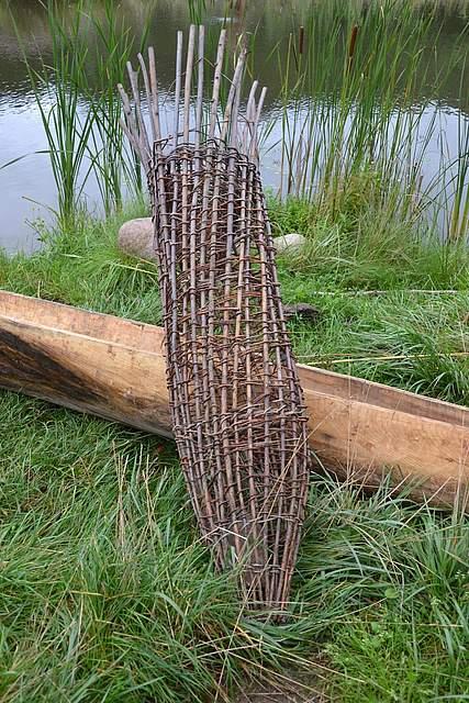 Vorzeitliche Verflechtung: eine Reuse wie sie die letzten Jäger und Sammler verwendeten.