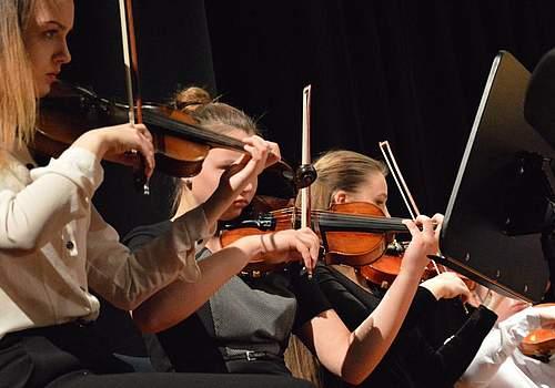 Junge Talente traten unter anderem in der Baltischen JuniorPhonie auf.