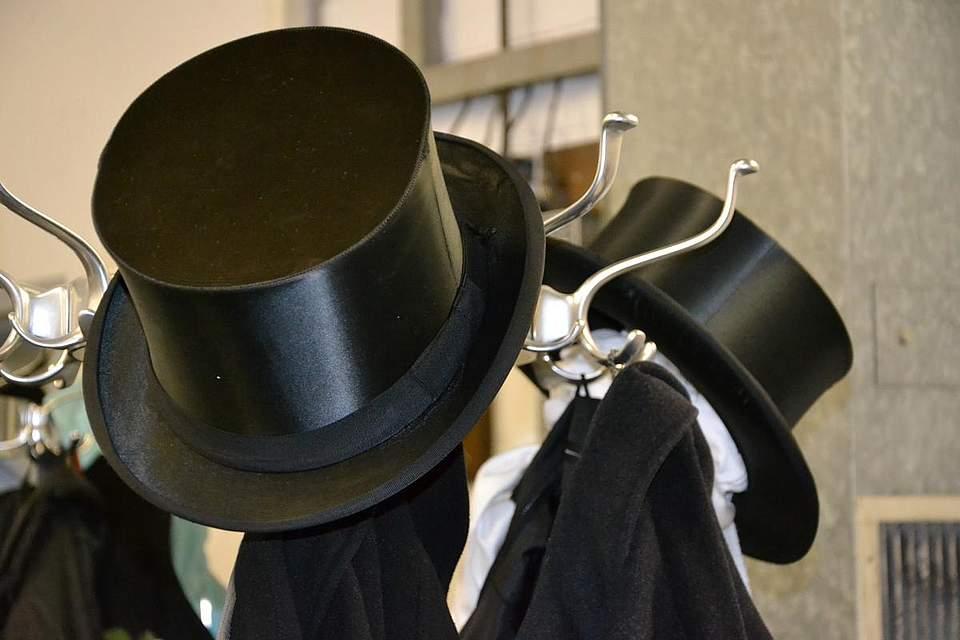 Immer top: Zylinder am Garderobehaken.
