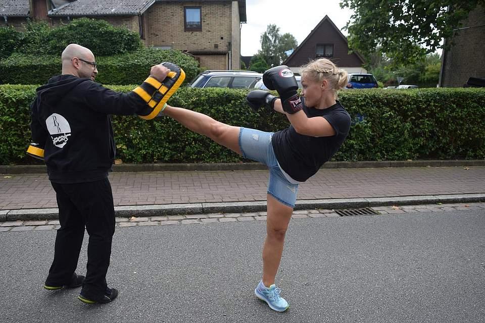 Provozieren nicht empfohlen: Die Albersdorfer Kampfsportler. Foto: Büsing