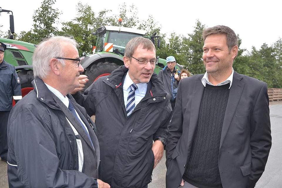 Kreispräsident Hans-Harald-Böttger, Landrat Jörn Klimant und Landwirtschaftsminister Robert Habeck.