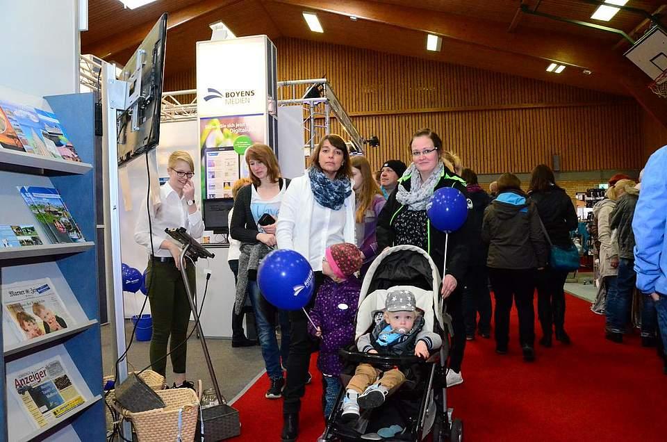 Informationen für die großen Besucher, Luftballons für die kleinen.
