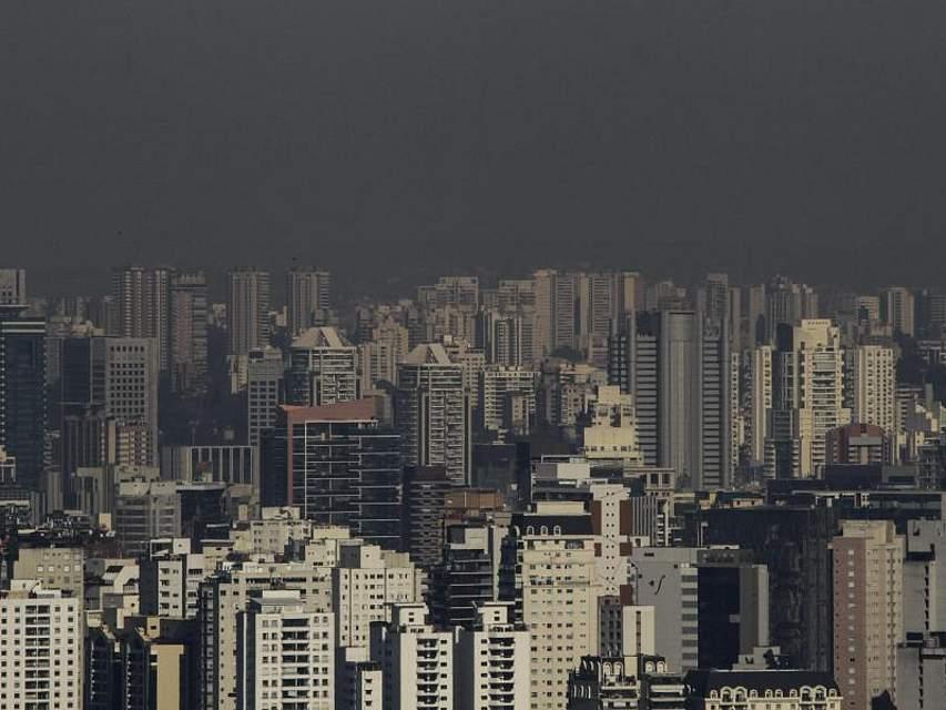 Dicke Luft hängt über den Hochhäusern von Sao Paulo. Foto: Fã¡bio Vieira/Fotorua/FotoRua via ZUMA Wire