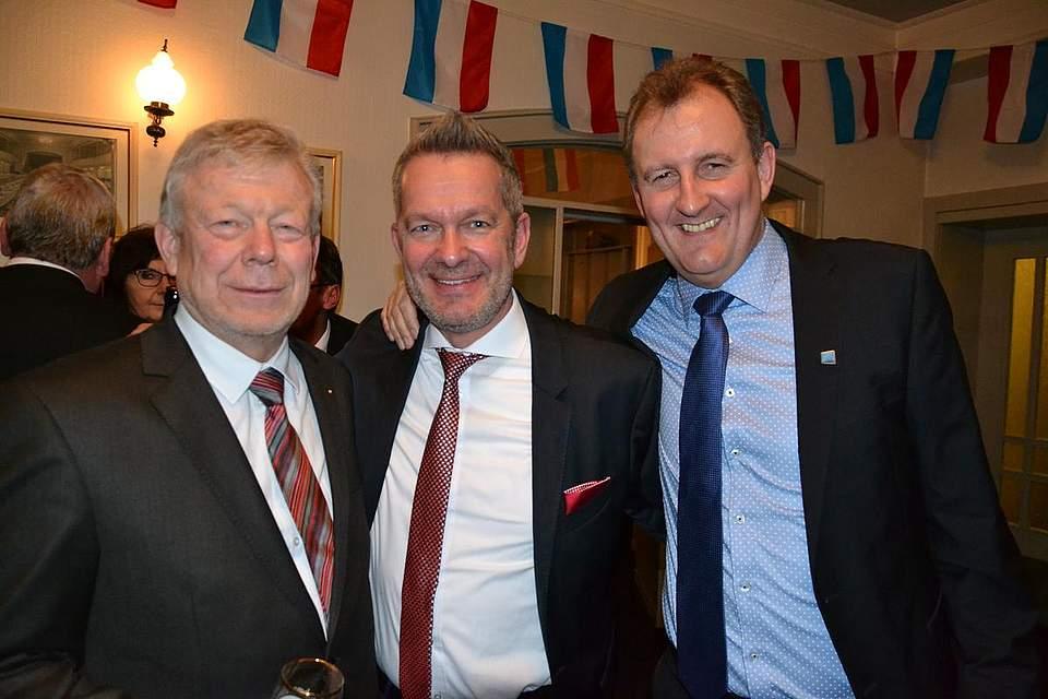 Gäste des Hahnbeerballs: Hans-Peter Witt, von links, Holger Timm und Kai Sothmann.