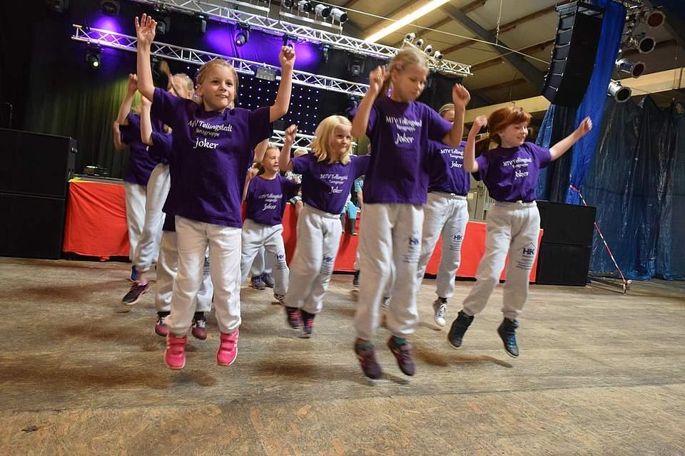 Die MTV-Joker tanzen am Familiennachmittag. Foto: Büsing