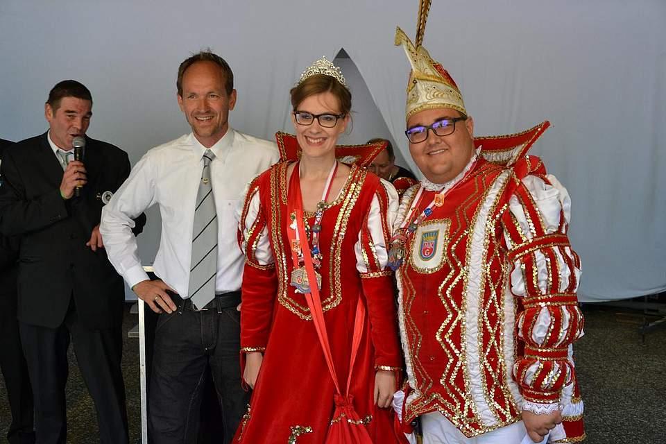 Knut Arp mit Marner Prinzenpaar.