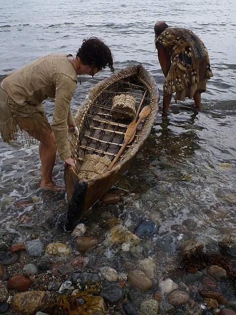 Test der steinzeitlichen Boote auf derOstsee bei Eckernförde.