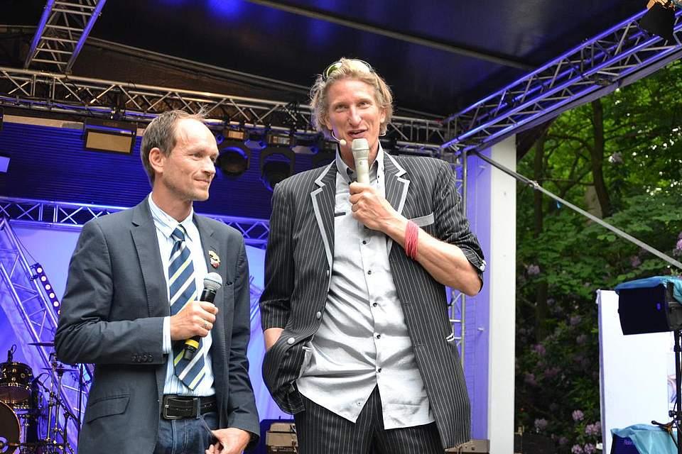 Einführung ins Abendprogramm: Knut Arp und Shorty.